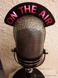 microfono antiguo caricatura