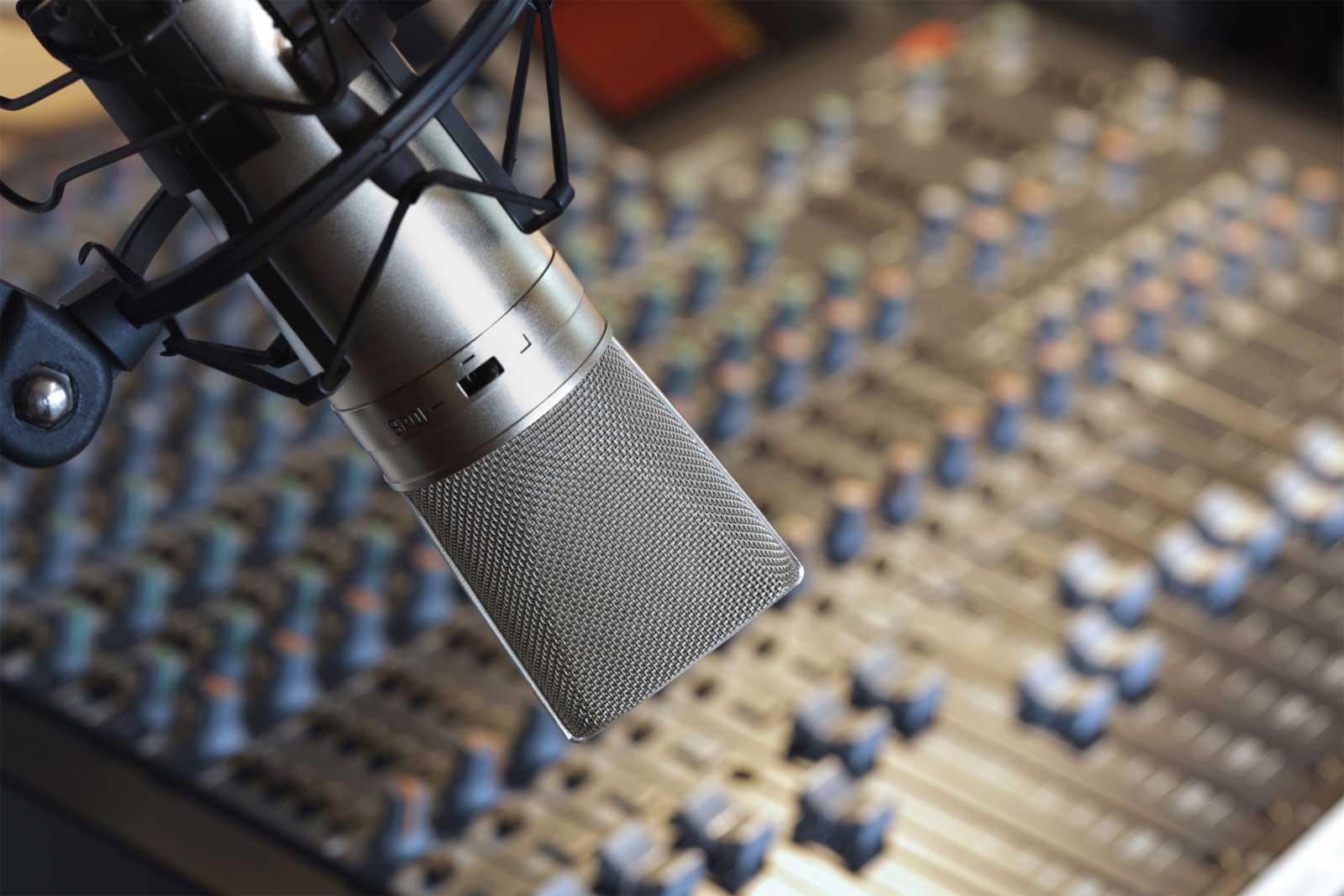 Fotos de micrófonos de radio Imágenes